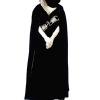 Tiziani crni plišani ogrtač iz 1968-9, nosila ga je Princeza Grace od Monaka za svoj 40. rođendan. Početna cena je 2.000$ (£1,297).