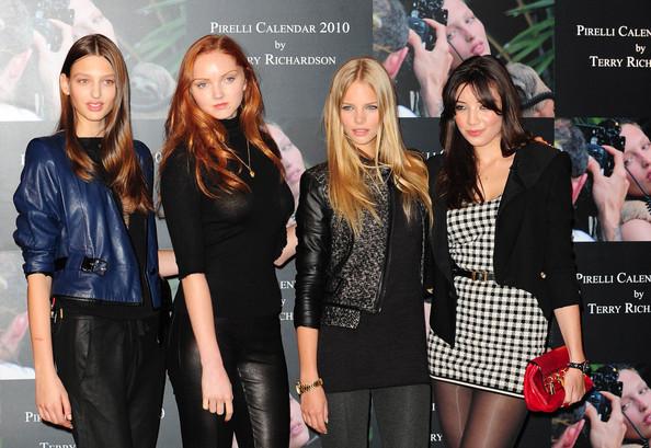 Daisy Lowe i Georgina Stojiljkovic na promociji kalendara Pirelli 2010.