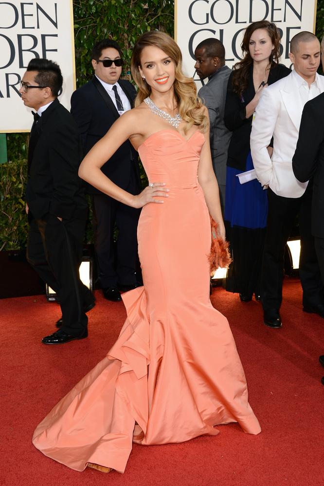 Jessica Alba u Oscar de la Renta haljini