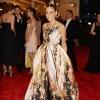 Sarah Jessica Parker u zlatnoj Giles haljini