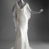 Bela večernja haljina iz kolekcije proleće/leto 2005.