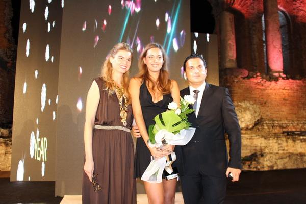 Direktorka Model Scouting officea Jelena Ivanović sa pobednicom