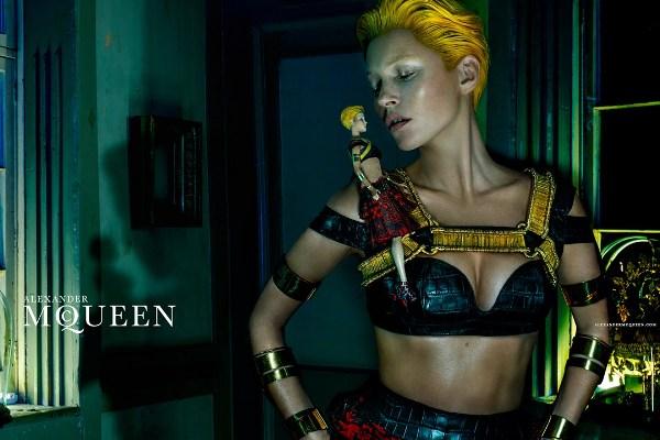 McQueen-Moss-1-Vogue-27Jan14-Steven Klein_b_1080x720