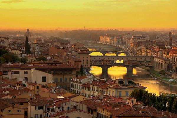 Ponte Vecchio most i pogled na grad