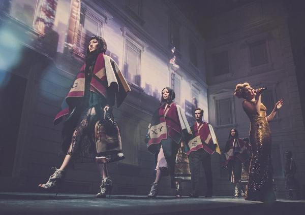 burberry-brings-london-to-shanghai-british-musician-paloma-faith-performing-live-at-the-event-in-china_gallery_large