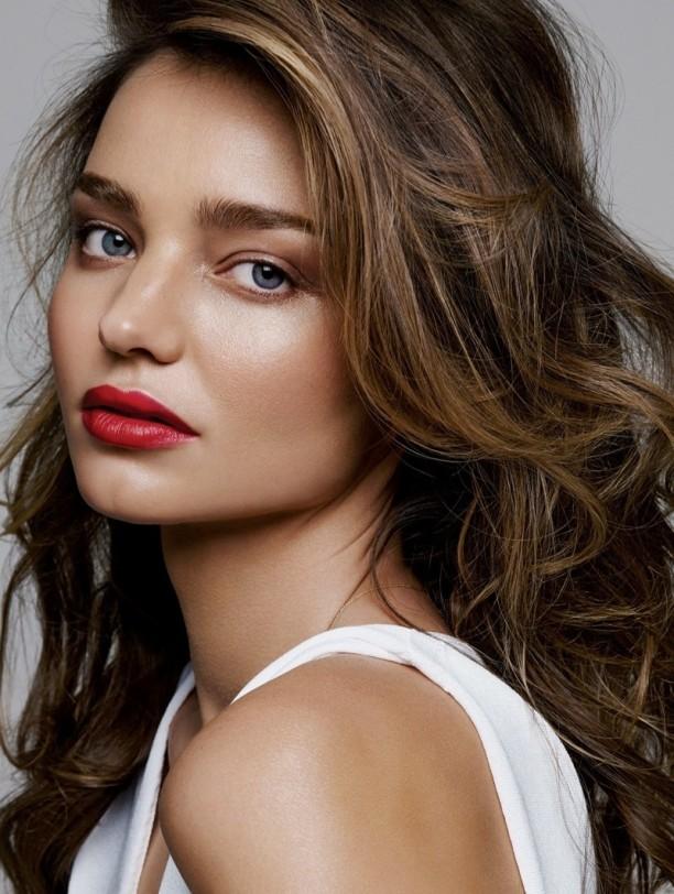 miranda-kerr-lipstick-makeup-2015-02-612x812