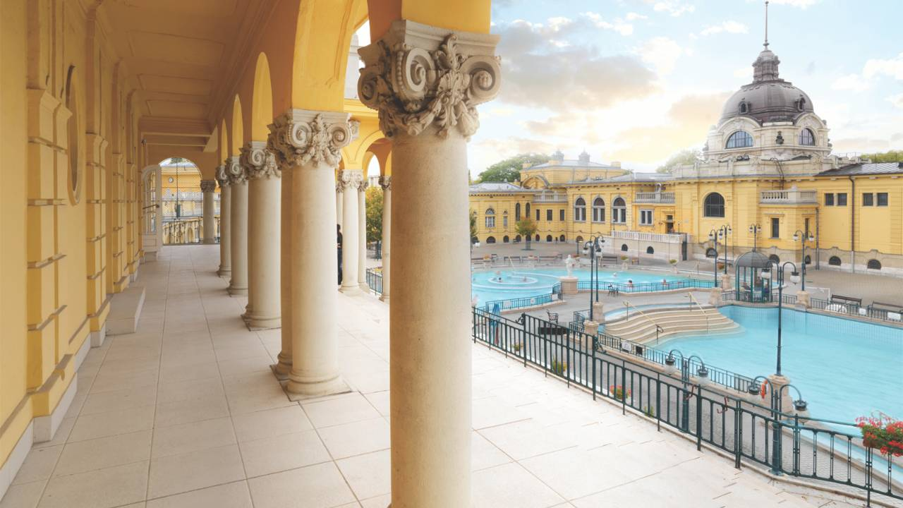 Four Seasons Budapest Szechenyi Bath