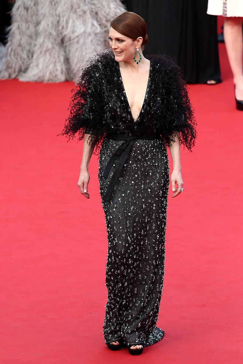 Julianne_Moore_Armani_Prive