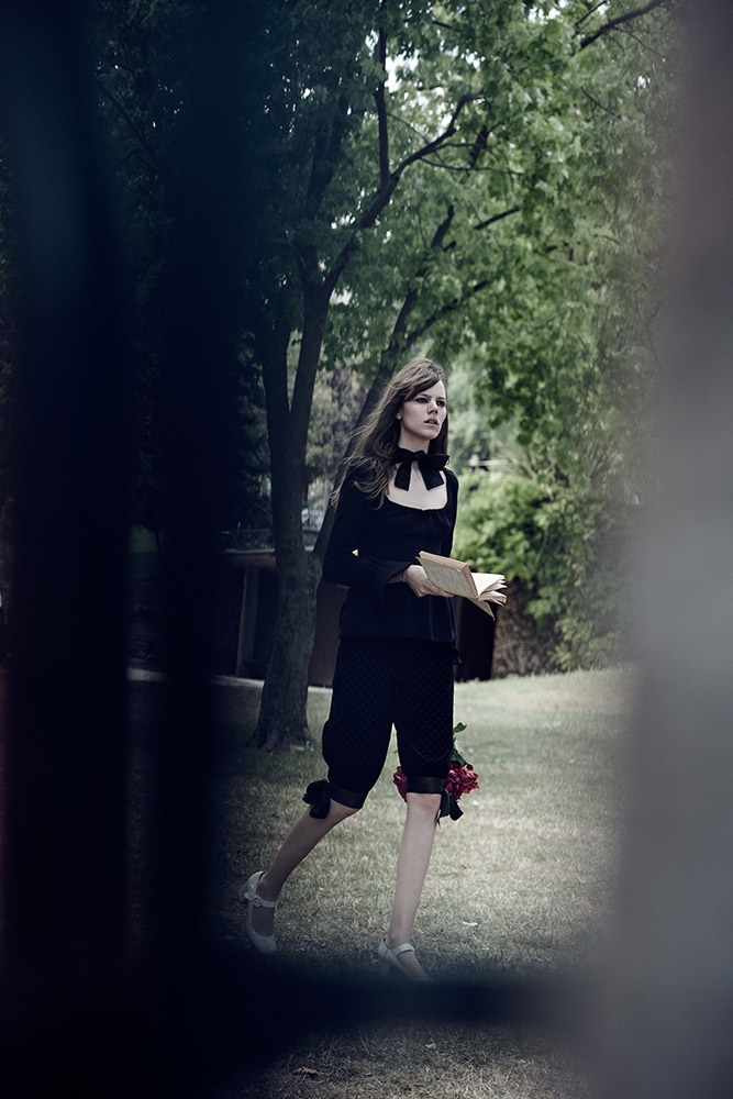 Lara-Stone-Freja-Beha-Peter-Lindbergh-Editorial-fashionela15