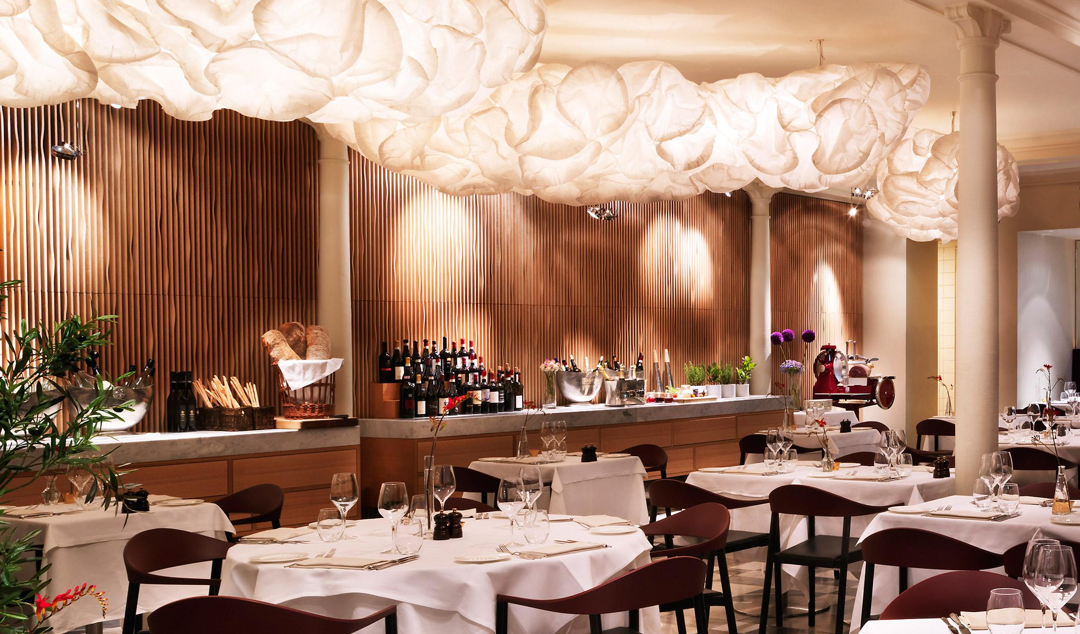 Nobis Hotel Caina restaurant. Fashionela
