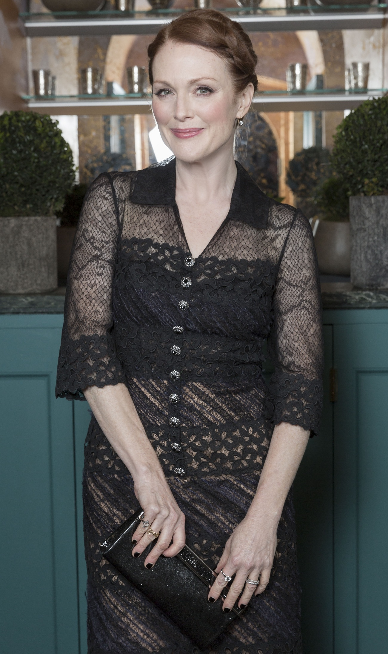 Julianne Moore Chanel Pre-Bafta Fashionela