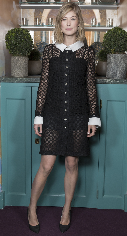 Rosamund Pike Chanel Pre-Bafta Fashionela