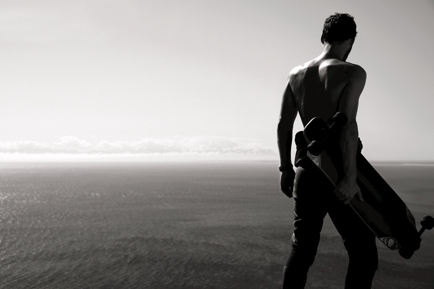 Chanel launches a new campaign for Allure Homme Sport ... e7410db0fbd