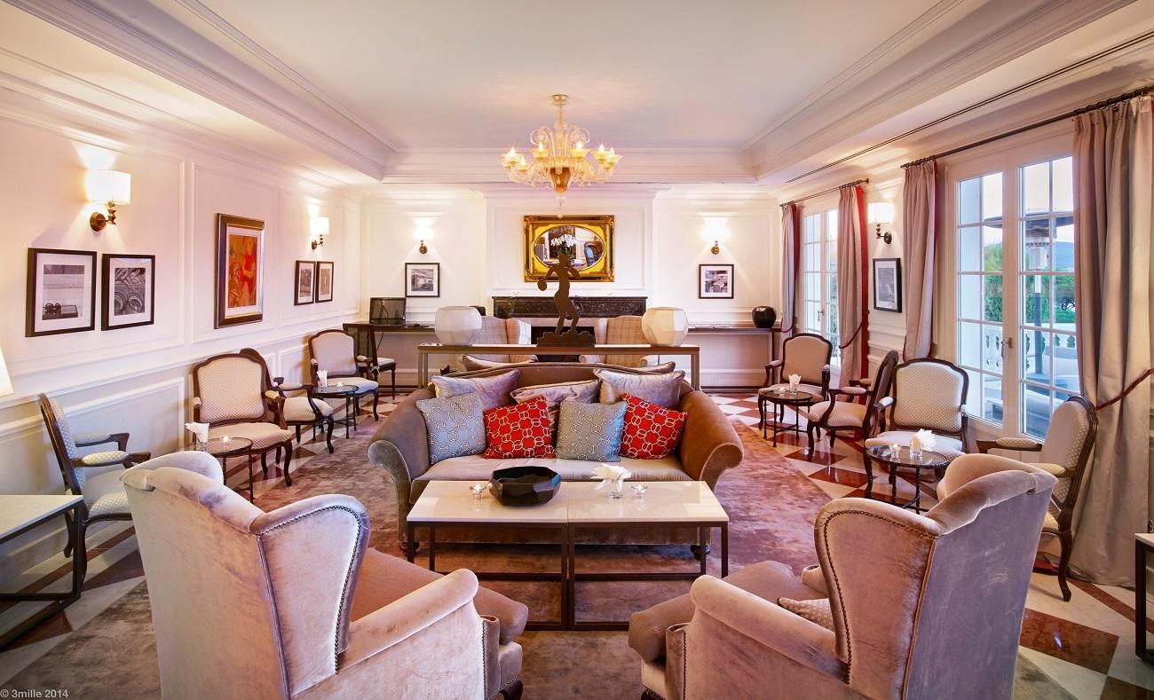 Villa Belrose Lobby