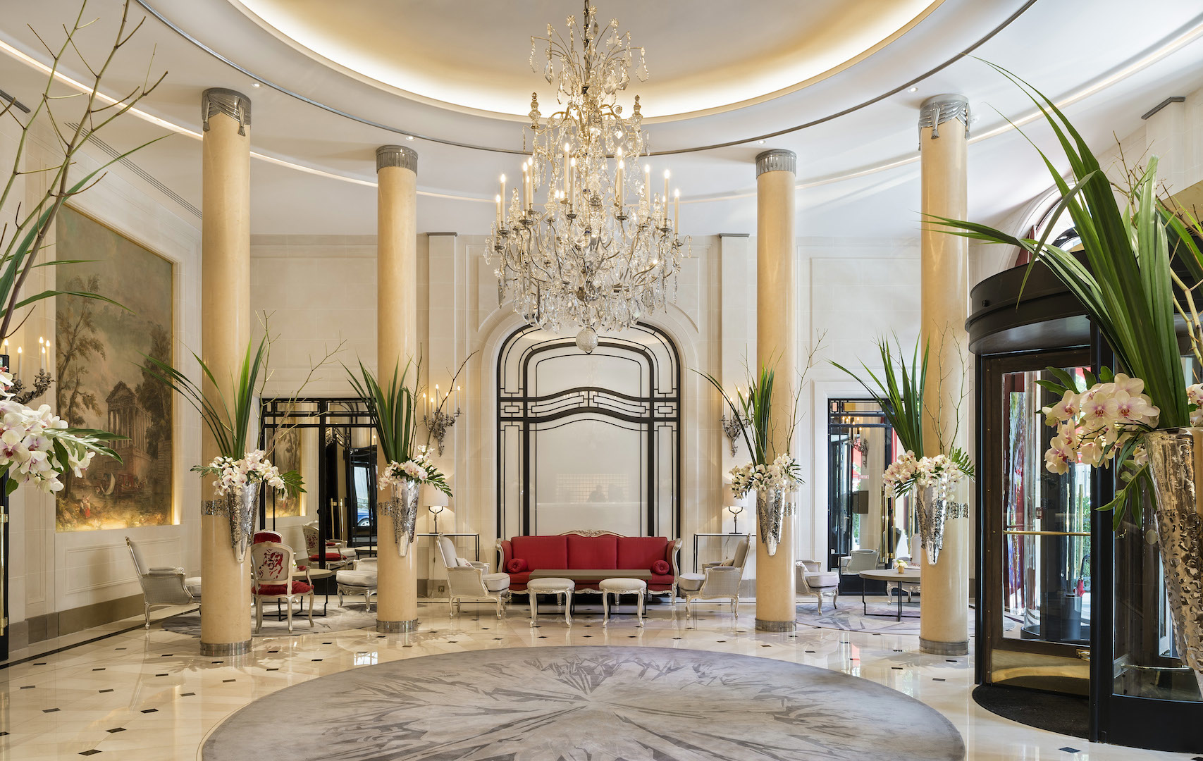Plaza ath n e the most romantic hotel in parisfashionela for Beautiful hotels