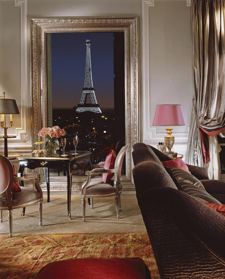 plaza-athenee-eiffel-suite-view