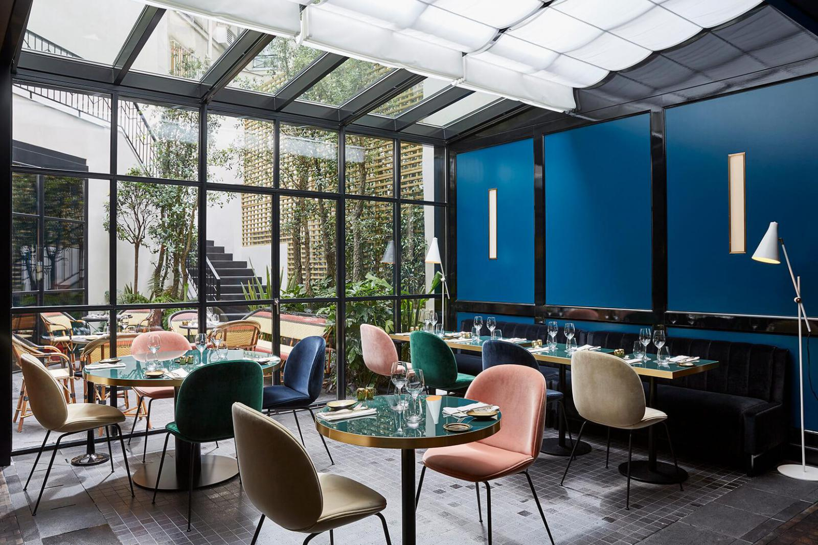 Le roch hotel a stylish oasis in the heart of - Le petit salon paris ...