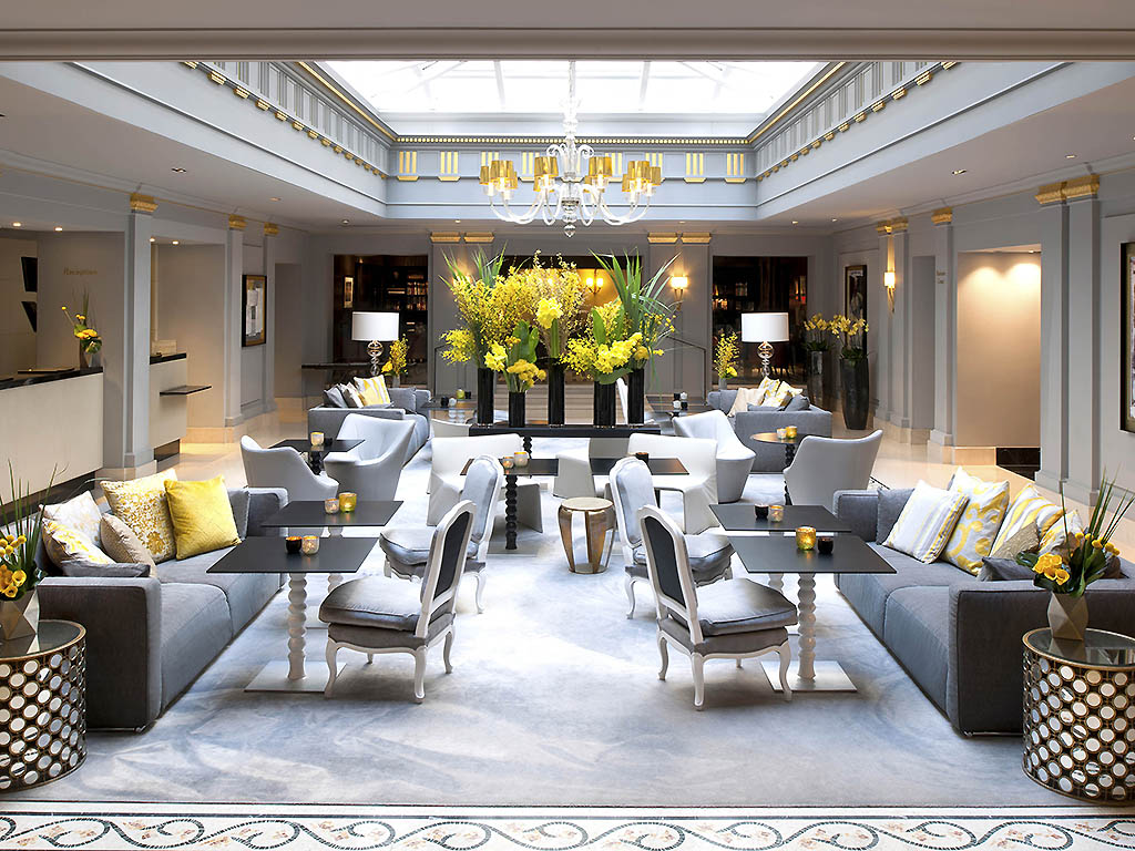 Sofitel paris le faubourg in the colors of parisian for Hotel design original paris