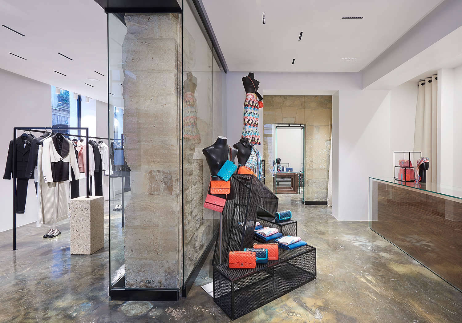 chanel le marais boutique fashionela