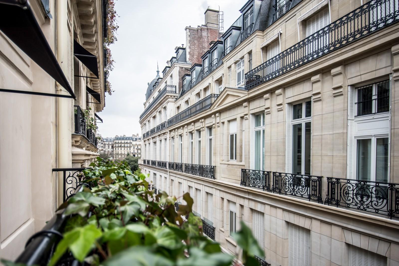 View_from_MonHotel_Paris_Fashionela