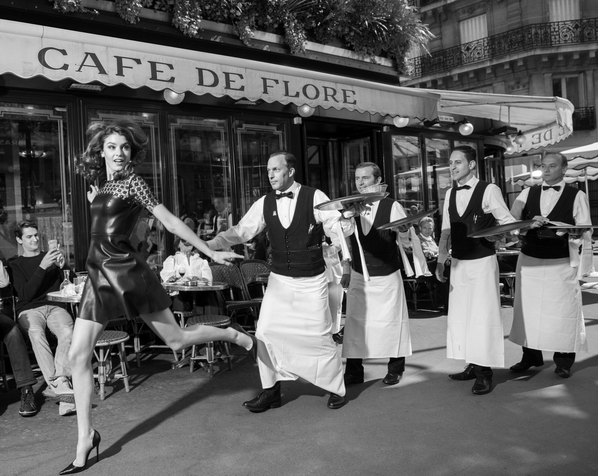 Cafe De Sartre En Paris