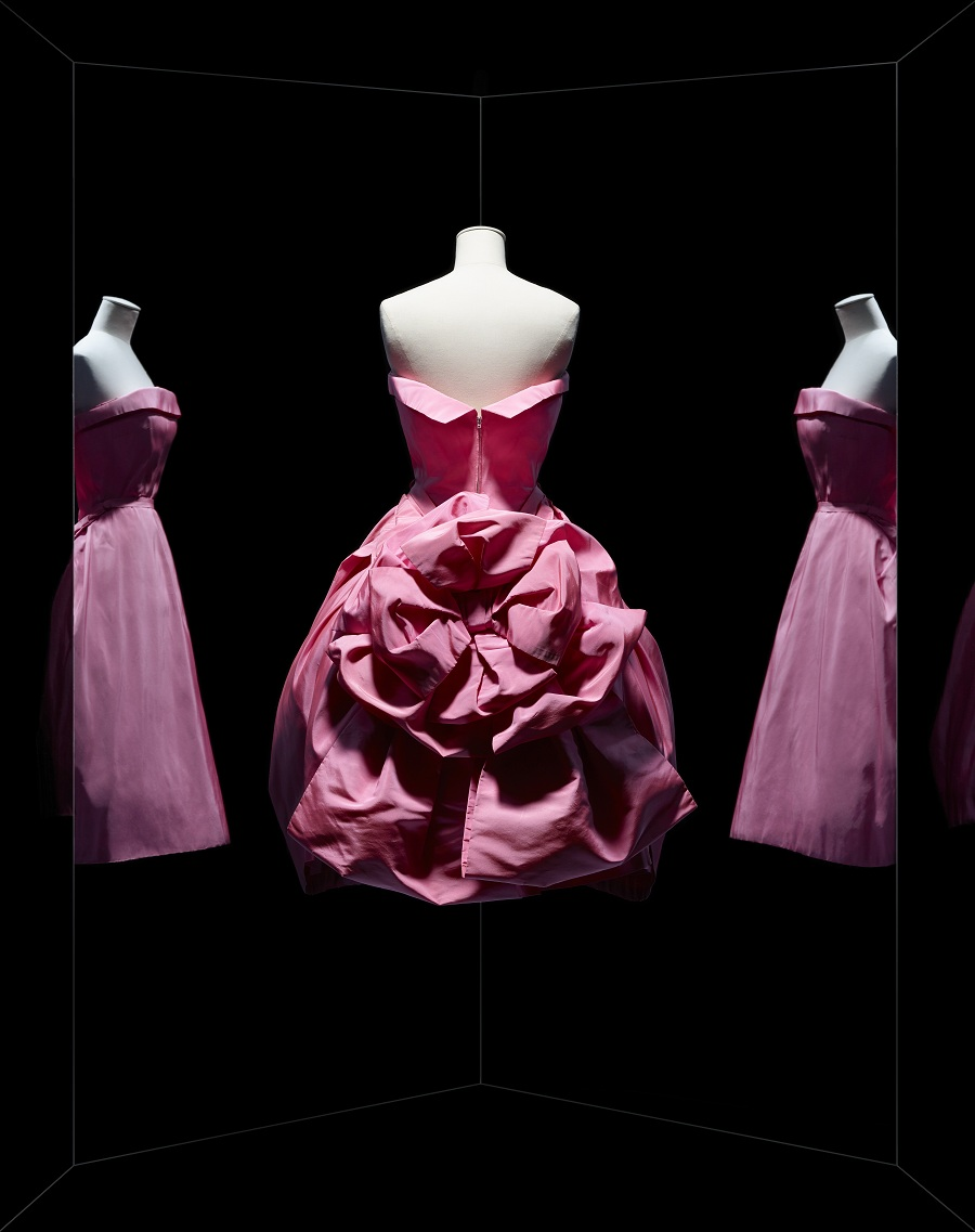 Dior Exhibition Fashionela
