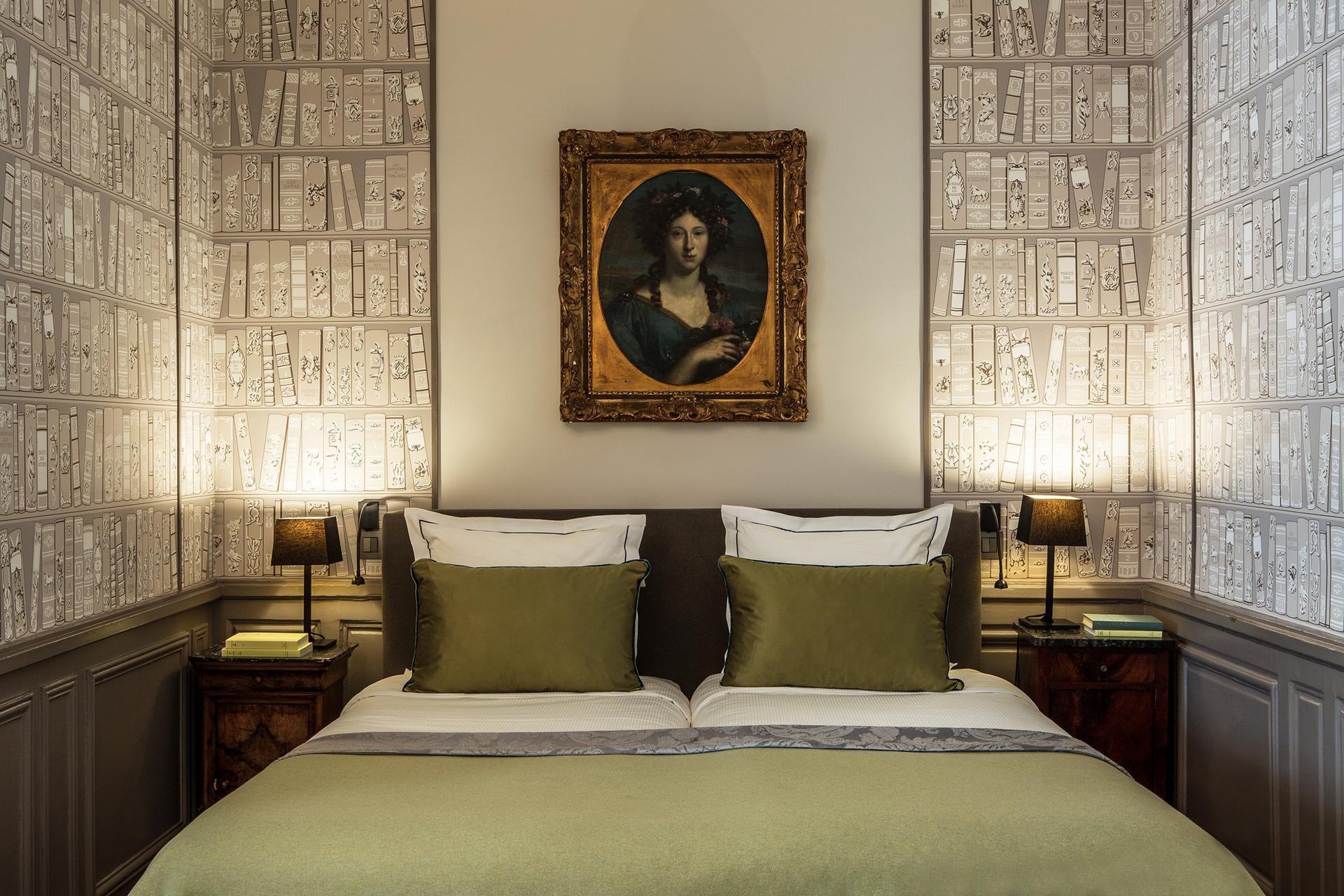 Hotel_Mansart_Deluxe_room_Fashionela