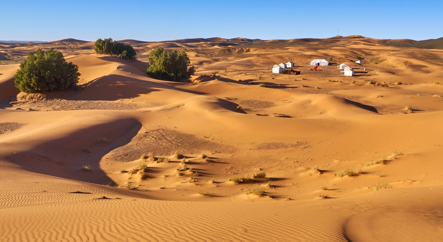 Erg Chebbi luxury camp
