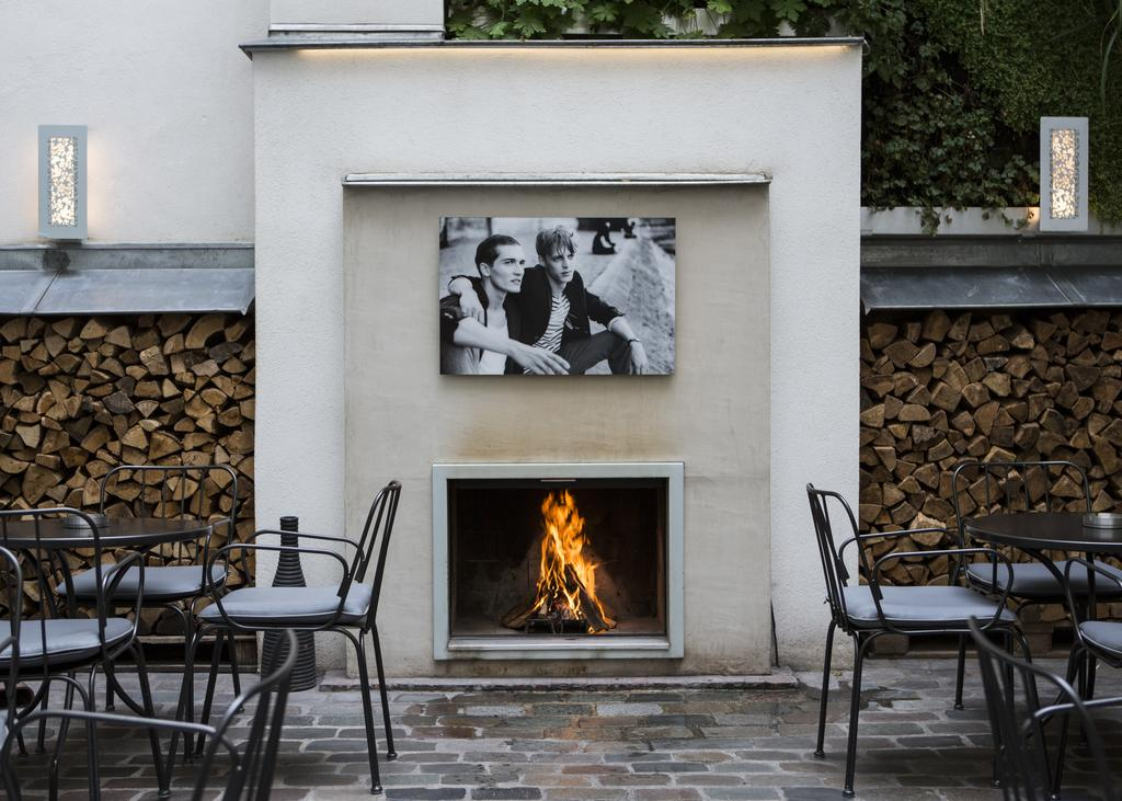 Hotel_Jules_and_Jim_an_outdoor_fireplace