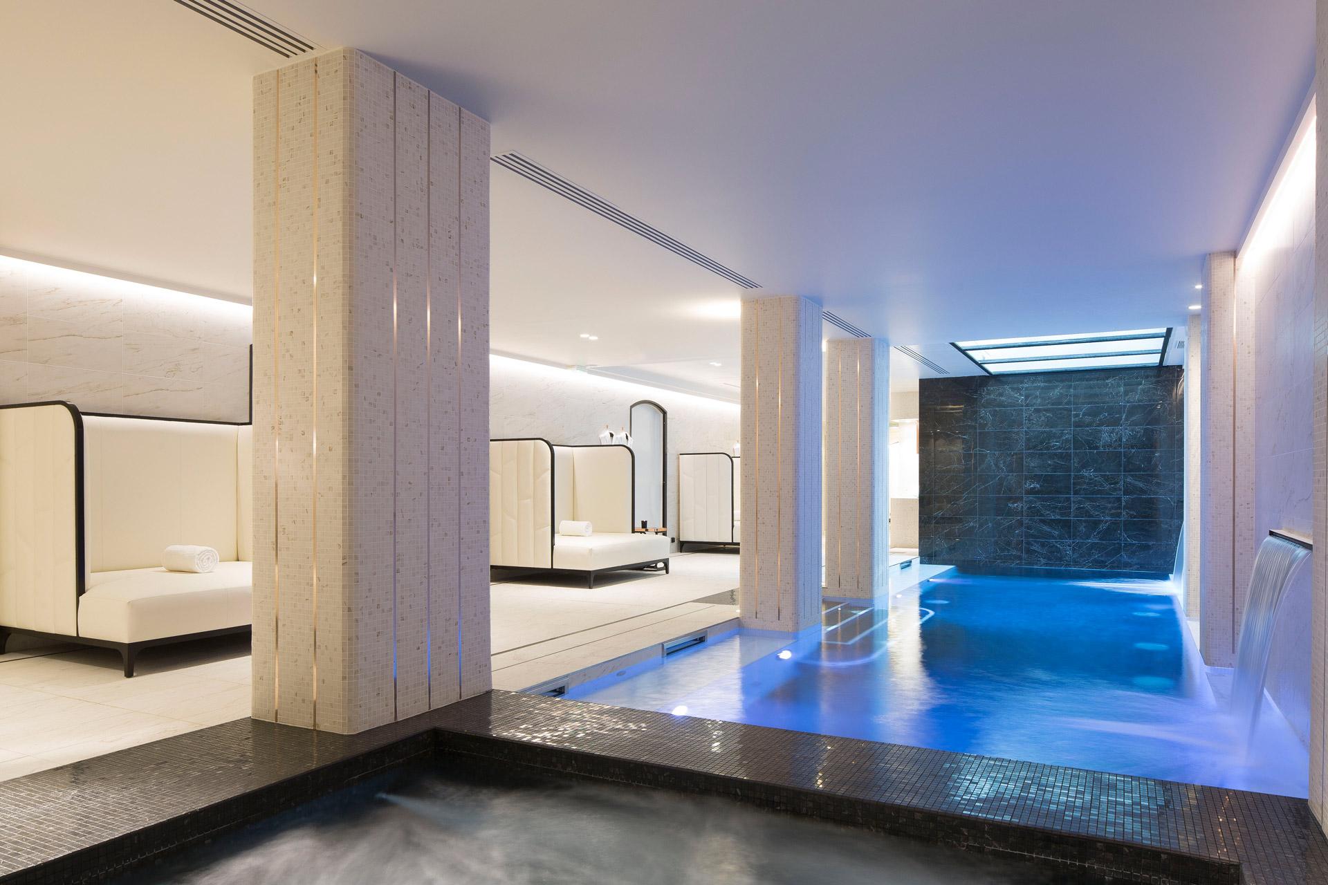 le-narcisse-blanc_spa-espace-piscine_Fashionela