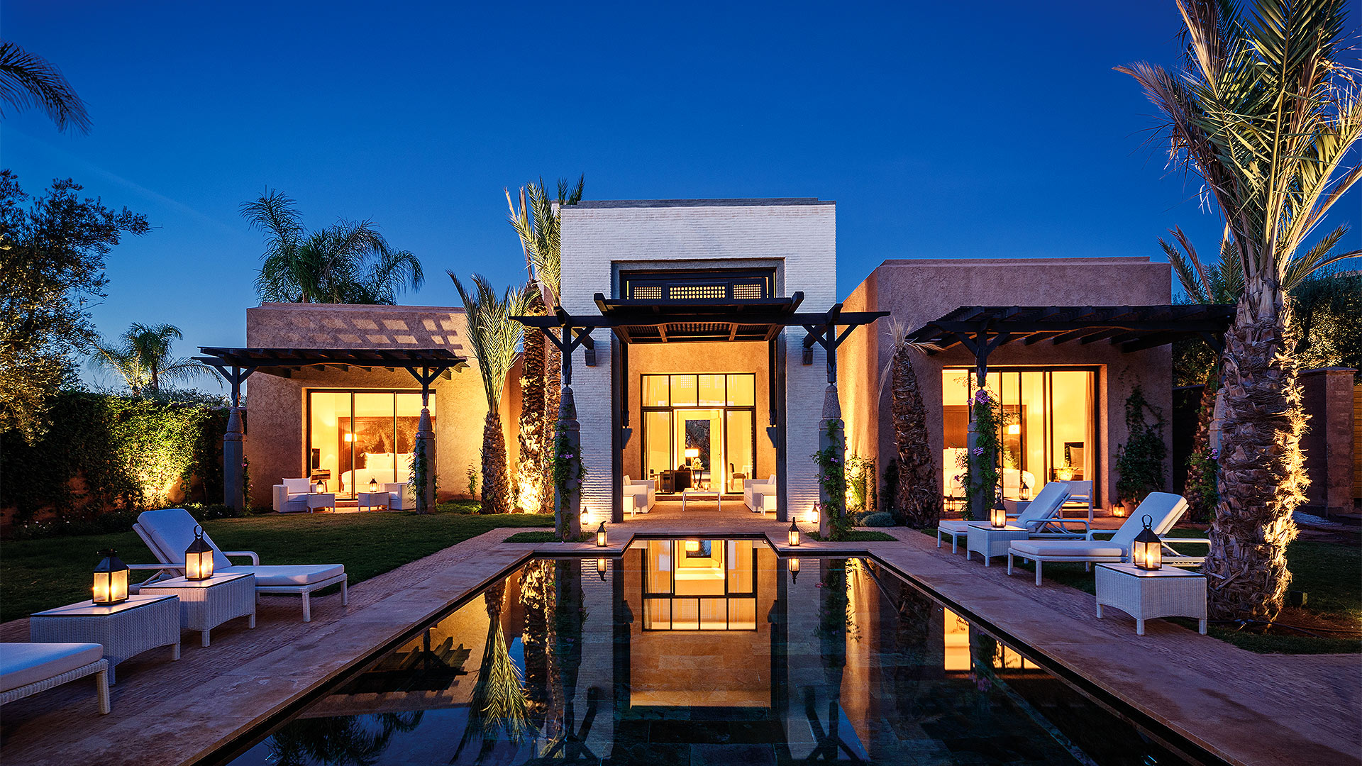 Fairmont royal palm marrakech moroccan field of for Villa royale