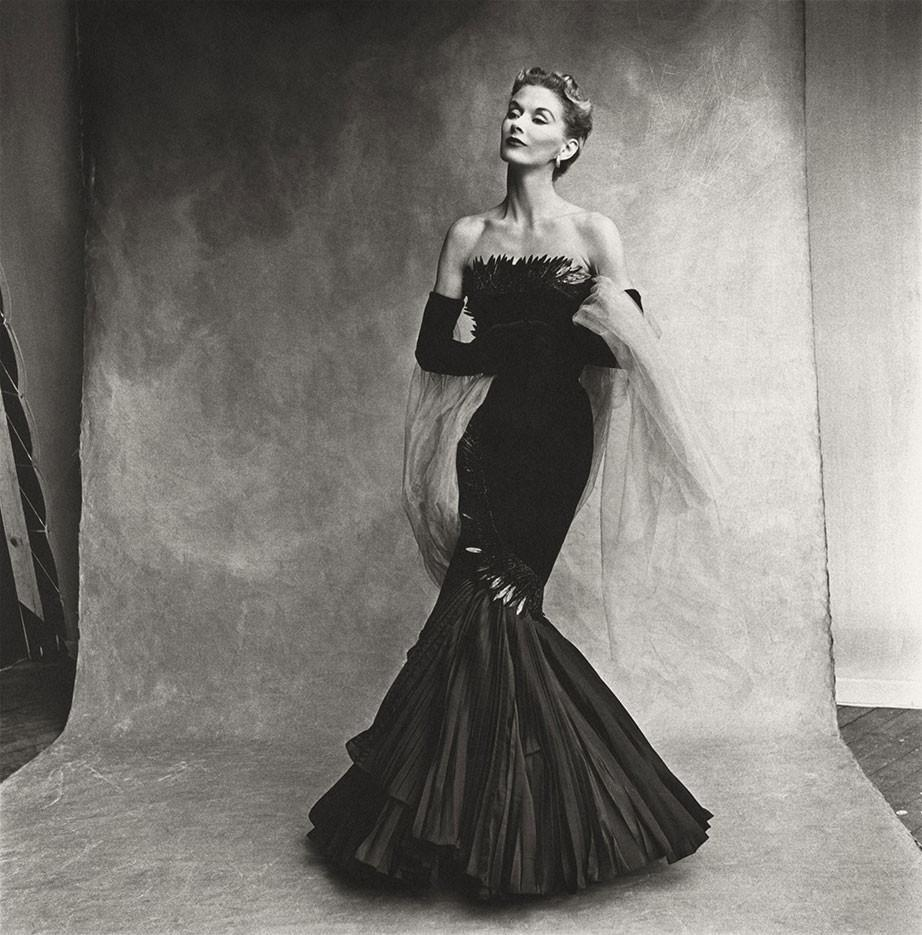 Lisa Fonssagrives-Penn in Rochas Mermaid Dress, Photo: Irving Penn, Paris, 1950