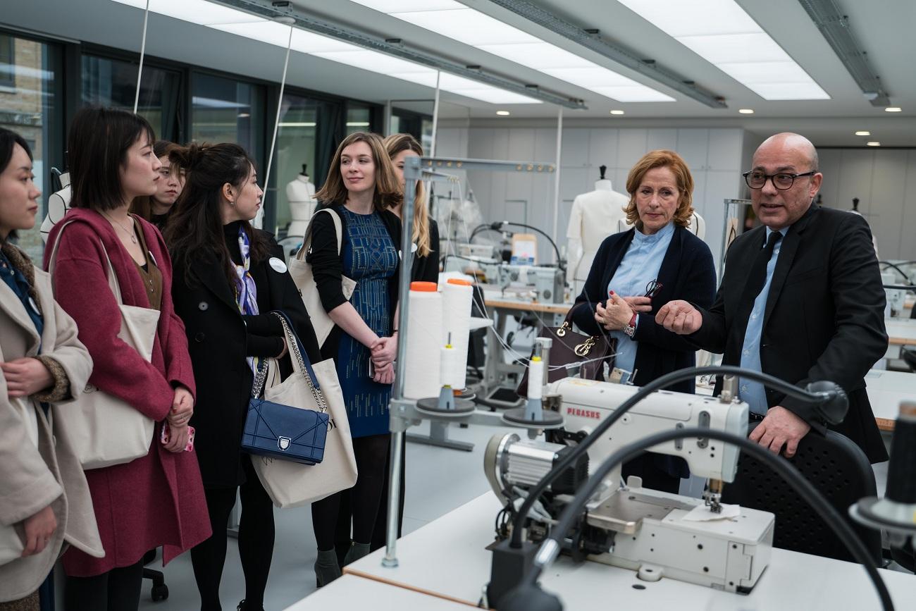 Women at Dior Fashionela