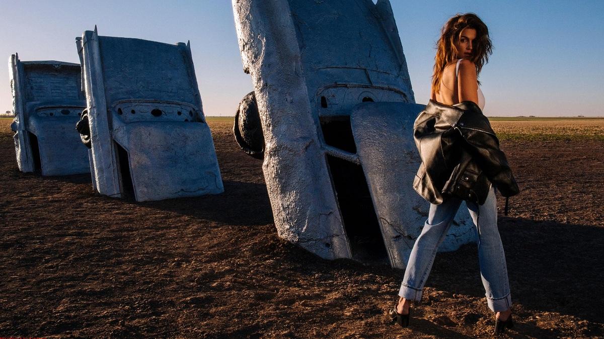 Acne Studios FW18 Cindy Crawford Fashionela