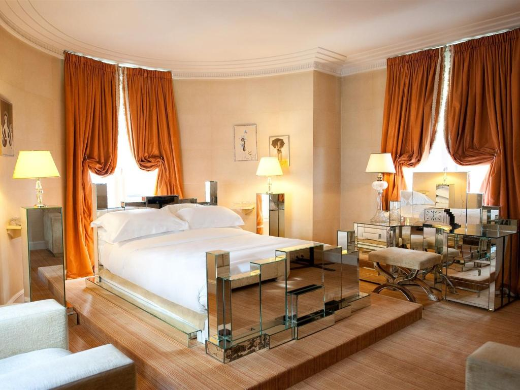 L_Hotel_Paris_Chic_room_3