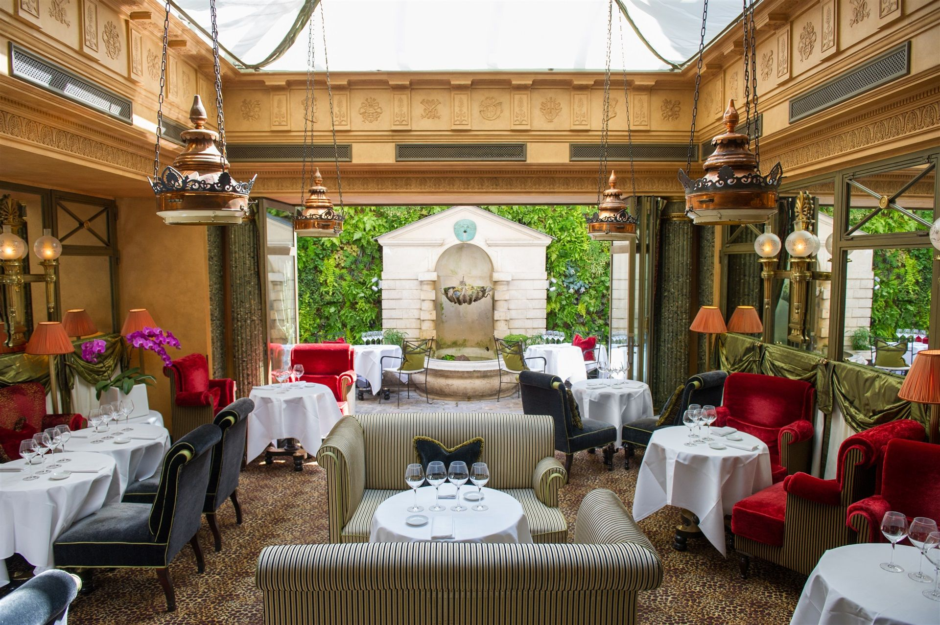L_Hotel_Paris_Le_Restaurant_2