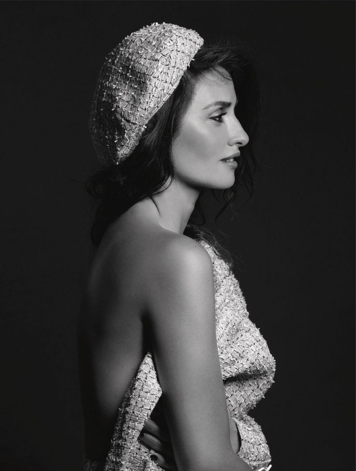Chanel Cruise 2019 Penelope Cruz Fashionela