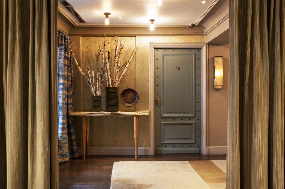 Hotel_Therese_Paris_corridor
