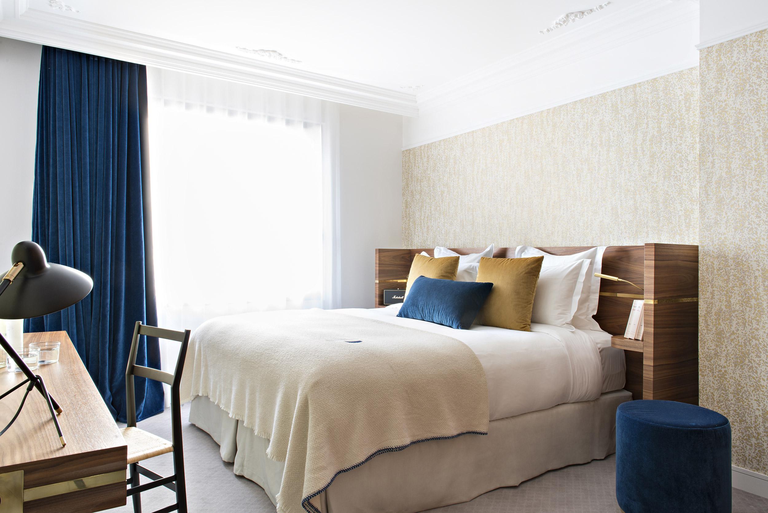 hotel-parister-deluxe-room-paris