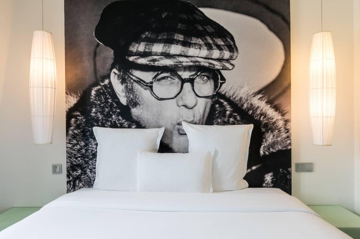 Kube_Hotel_room_ M