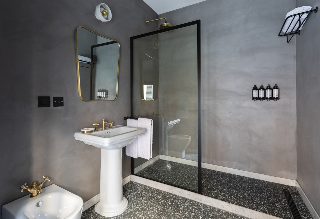 CHAPTER_ROMA_SUITE_BATHROOM