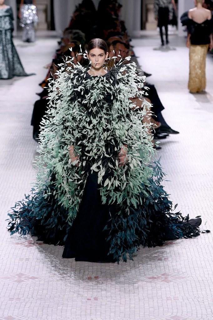 Givenchy hc19 Fashionela