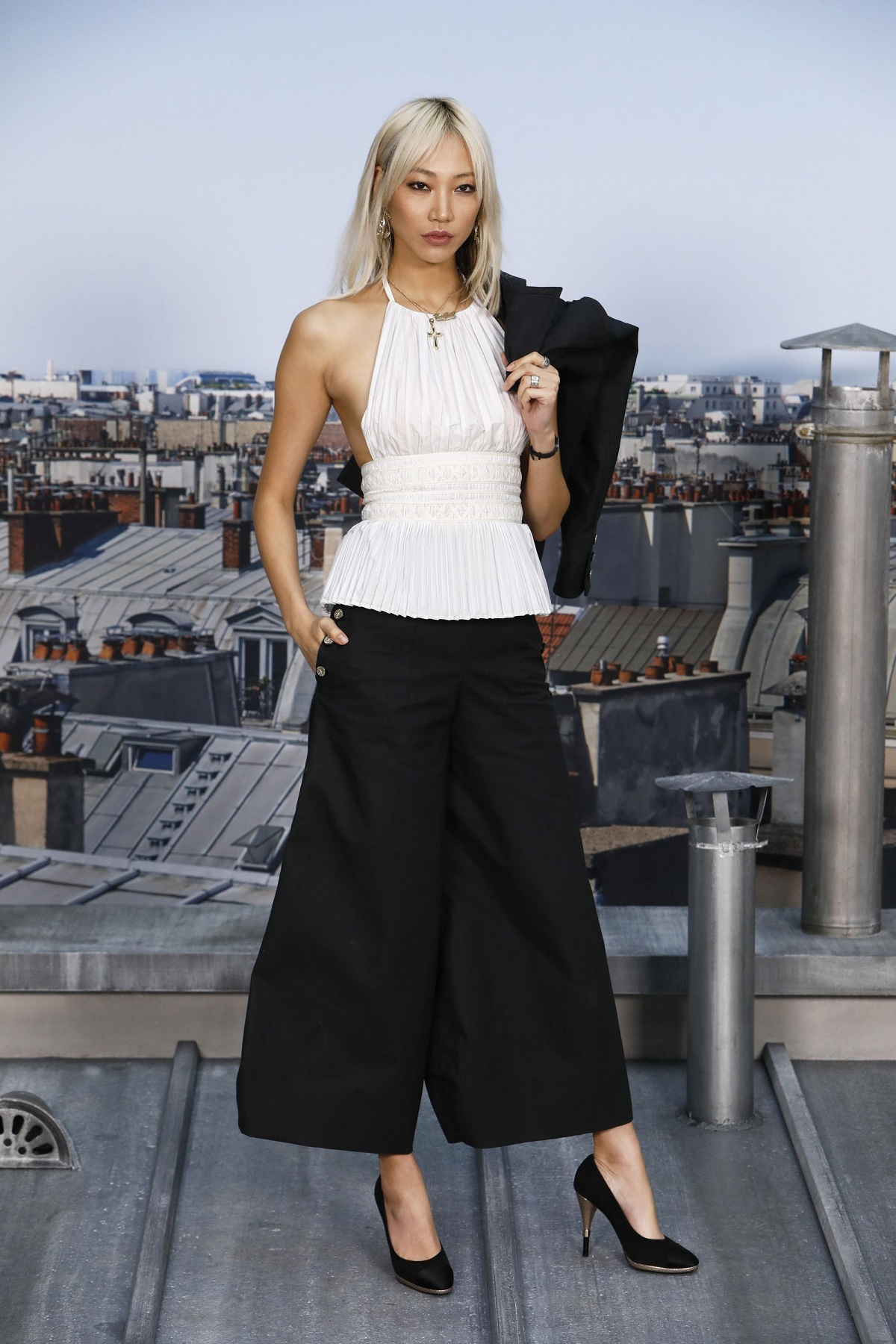 Chanel : Photocall - Paris Fashion Week - Womenswear Spring Summer 2020