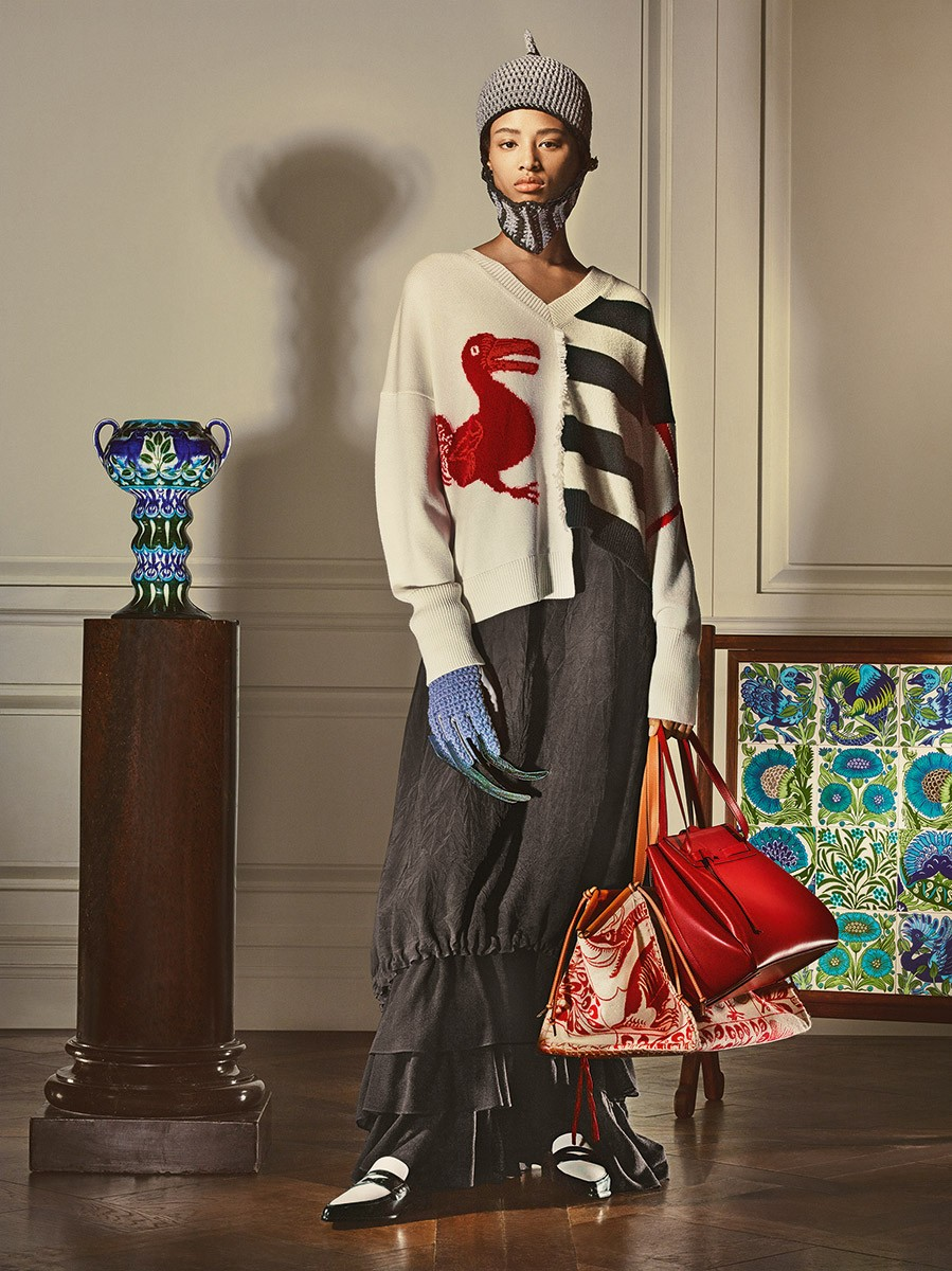 Loewe-William-de-Morgan-collection_Fashionela (11)