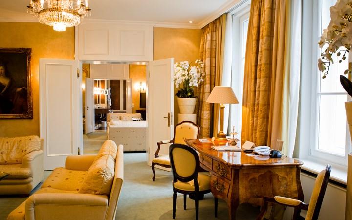 The_Bayerischer_Hof_suite