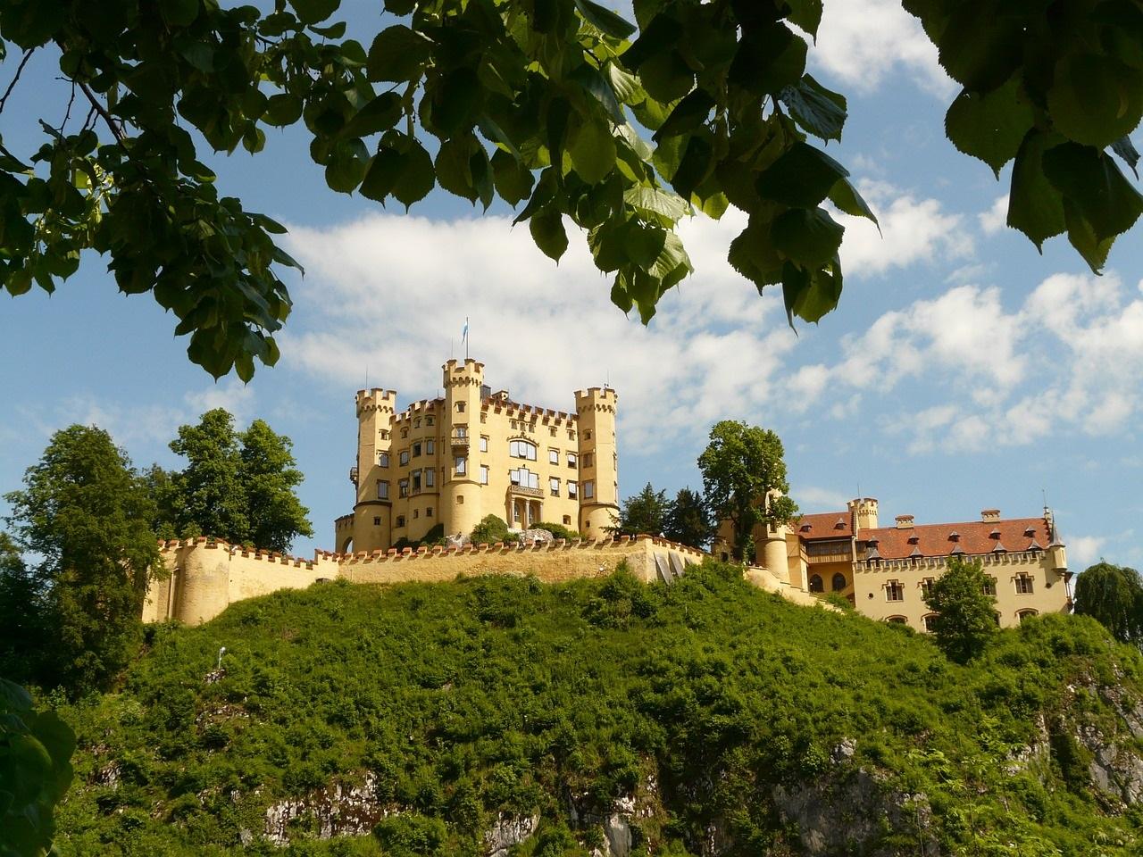 hohenschwangau-castle-fashionela