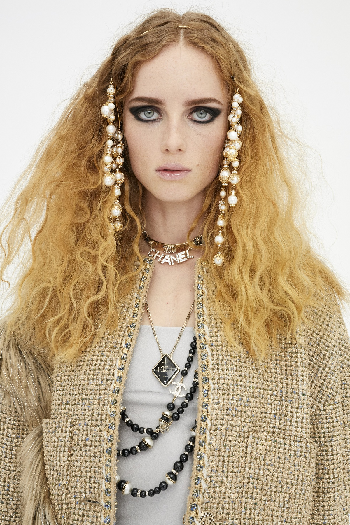 Chanel_Metiers_d_art_2021_Juergen_Teller_Fashionela (4)