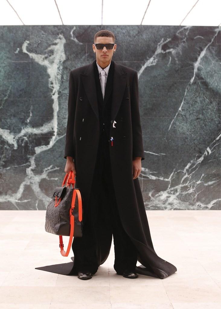 Louis Vuitton_Fall2021_Fashionela (20)