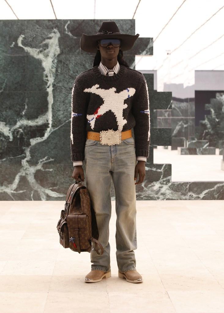 Louis Vuitton_Fall2021_Fashionela (40)