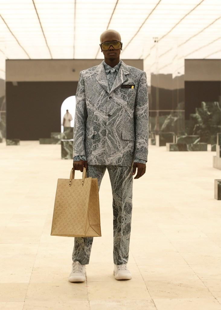 Louis Vuitton_Fall2021_Fashionela (55)